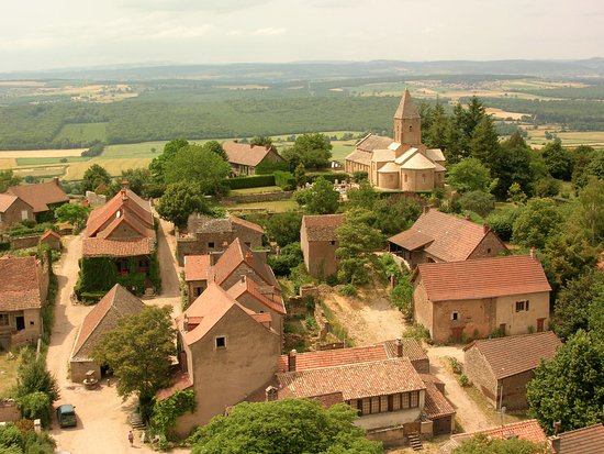 Auberge du Vieux : Village du Brancion (auberge bottom center)