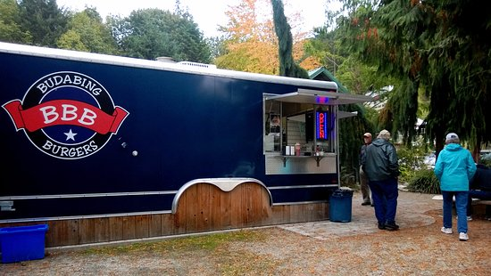Madeira Park, Kanada: Cute, Neat, clean take on a food truck - clean friendly staff