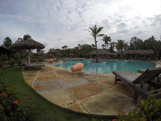Porto Preguiças Resort: A piscina é um show!