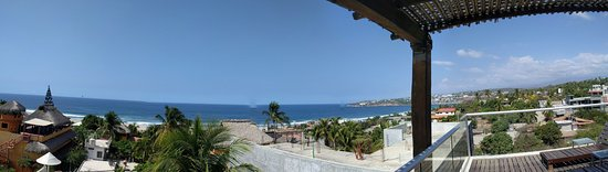 Hotel Aqua Luna: Panoramic view from the rooftop terrace (steep climb up 4 flights -- not handicapped acessible).