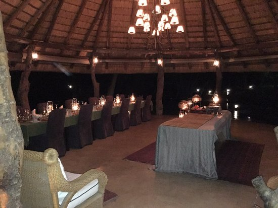Dulini Lodge: The dining area