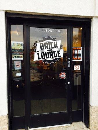 Plano, IL: The Brick Lounge