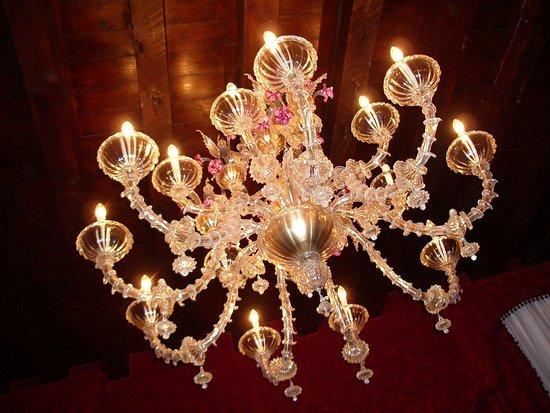 Ca' Maria Adele: Impressive chandelier