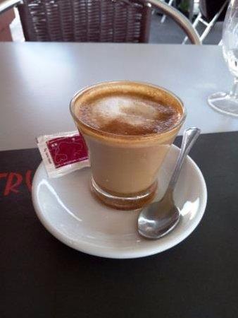 Argentona, Hiszpania: Café cortado