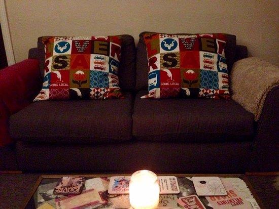 Derwent House Boutique Hotel: Our beautiful Derwent House cushions!