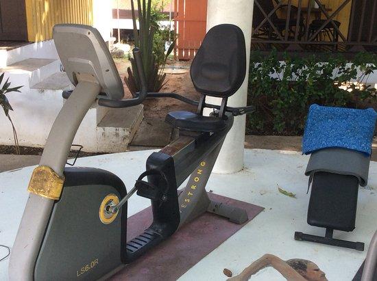 New Leaf Detox Resort: broken and rusty equipment