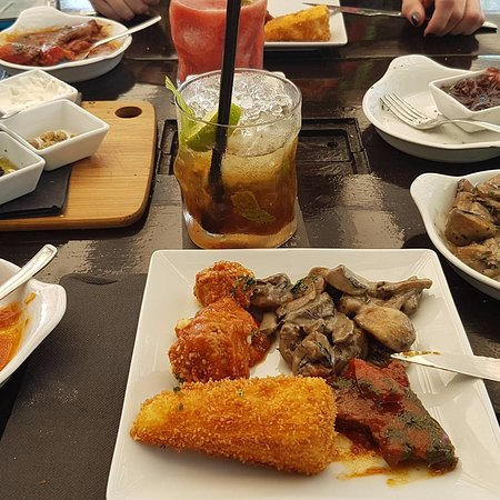 Tapas Ibiza beautiful food, great quiet location and lovely staff ...