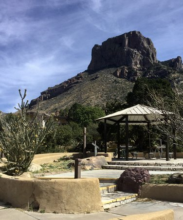 Alpine, TX: Picnic area at the park's lodge