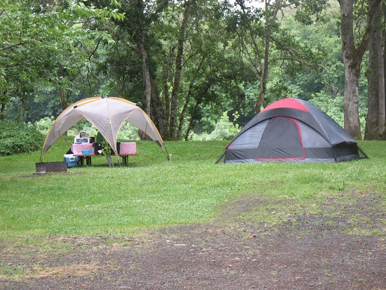 Roseburg, OR: separate tent area on the grass