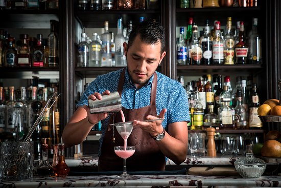chequez-huerta-barman.jpg