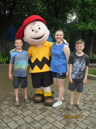Kings Island: Charlie Brown!