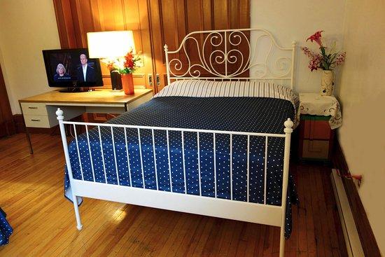 La nouvelle maison jy prices lodge reviews montreal for Ashoka ala maison price
