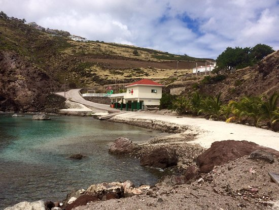 Saba: Cove Bay - scenic and quiet