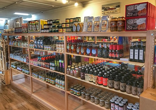 Norfolk, CT: Berkshire Country Store
