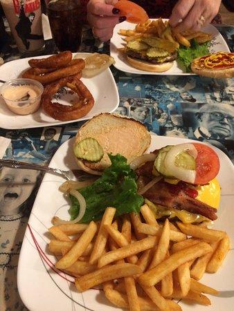 American Burger: excellent burgers!