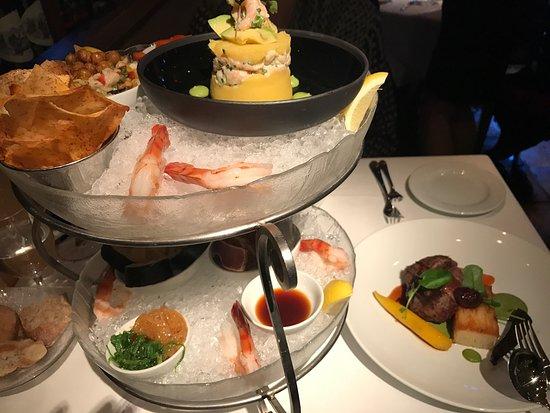 Araxi Restaurant & Oyster Bar : photo2.jpg