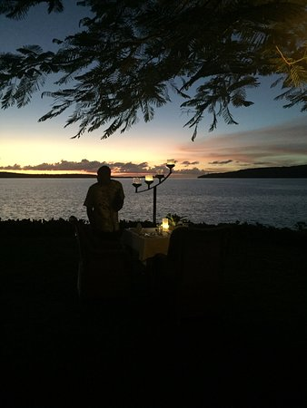 The Havannah, Vanuatu: Dining on the lawn