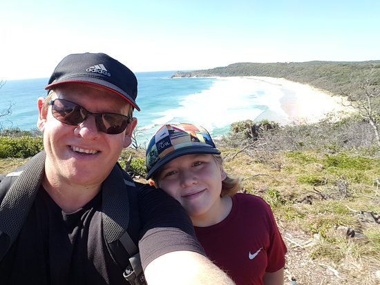 Noosa River Holiday Park : a walk out to hells gate in Noosa headlans