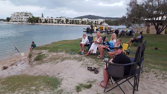 Noosa River Holiday Park : enjoying the river view
