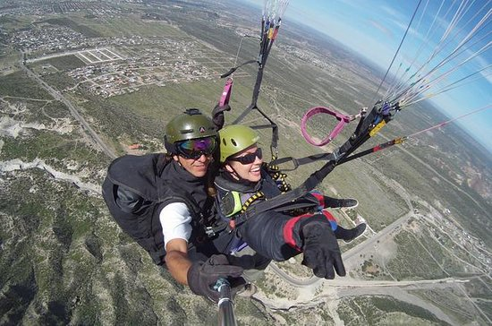 Tandem Paragliding in Mendoza