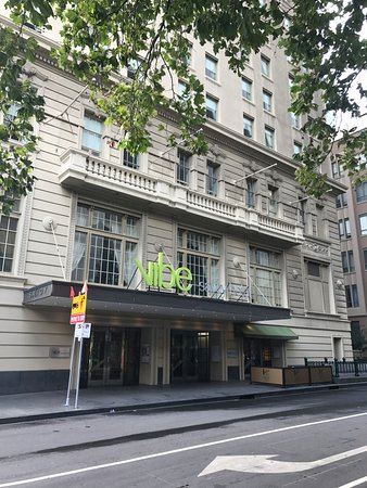 Vibe Savoy Hotel Melbourne: exterior - facing little collins street
