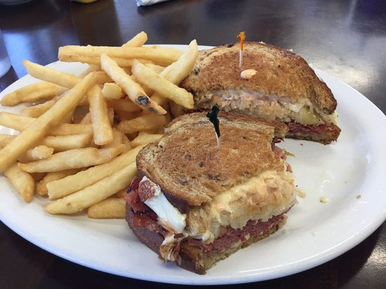 Alturas, CA: The Awesome Reuben!