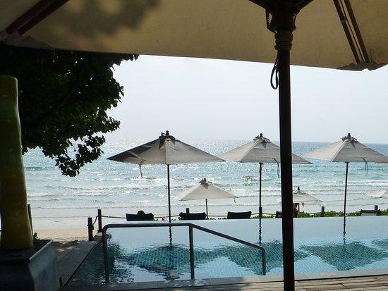 Ao Prao Resort : Lovely pool and beach