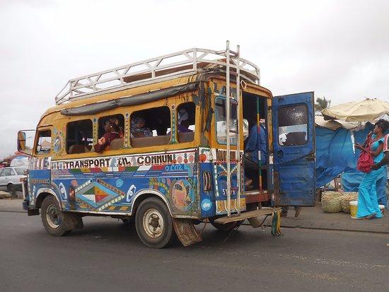 Sandaga: trnsport ee comun