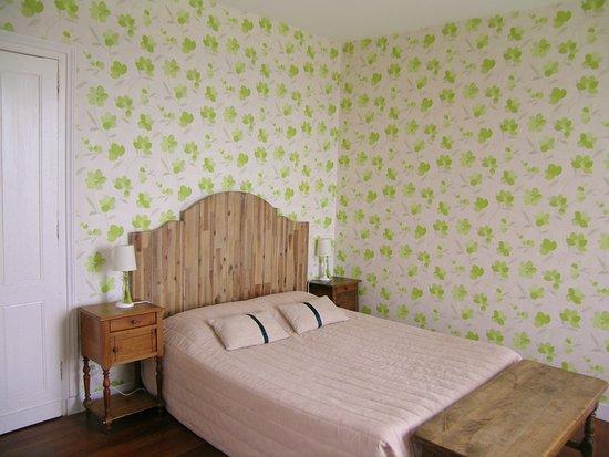 Domaine de Bellevue Cottage - chambre d'hôtes bnb, cabane dans les arbres, gite à Bergerac: Chambre d'hôtes Les Vignes