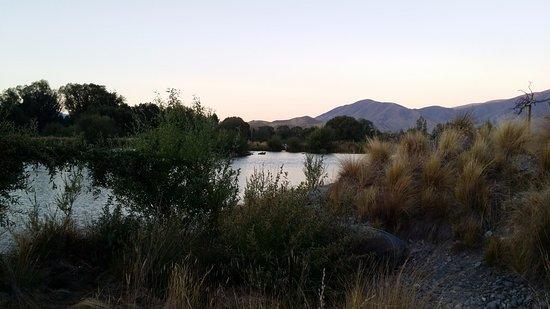 Omarama, Nueva Zelanda: Relaxing rural setting at sunset