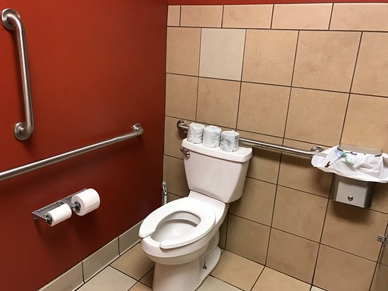 Charleston, WV: Good food good service clean handicapped accessible. Little expensive but would do again.