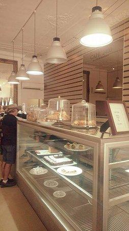 Cafe 2400