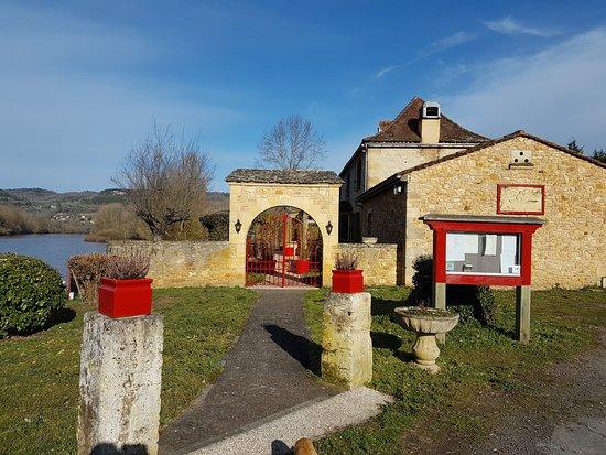 Allas-les-Mines, France: le gabarrier 2017