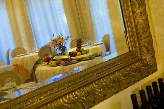 Hotel Alexander Palme Photo