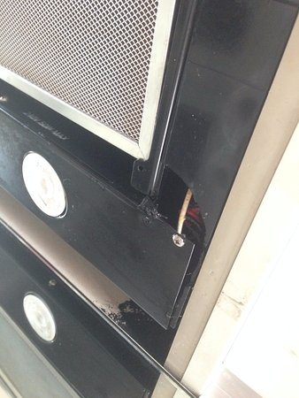 Preston, Australien: Range hood, would leak grease