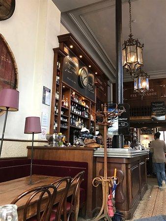 Restaurant Place Martin Nadaud