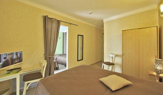 Hotel de Bretagne : chambre coté mer pour 4 personnes