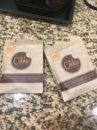 DoubleTree Suites by Hilton Hotel Raleigh-Durham: Free cookies!