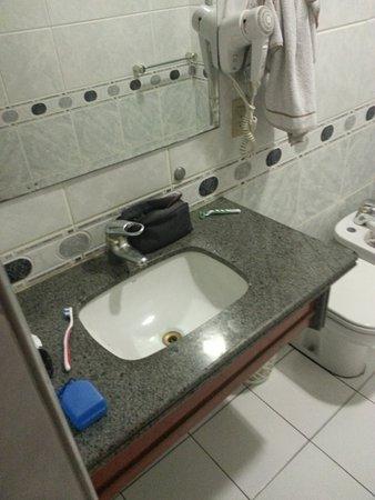 Real Castilha Hotel : Todo decorado, com secador e água quente