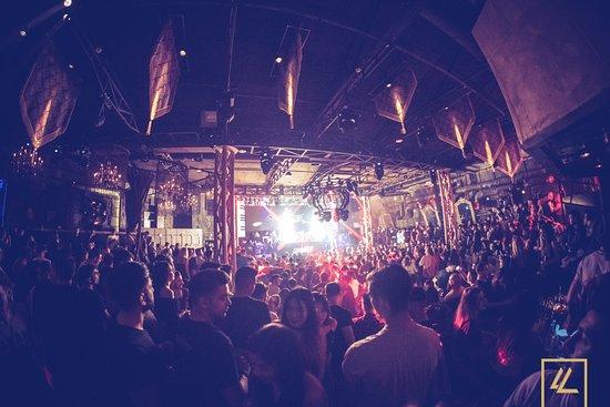 Lohan Nightclub: Party