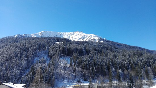 Gasthaus Sonne: Restaurant Sonne, Klosters - View from the front door!
