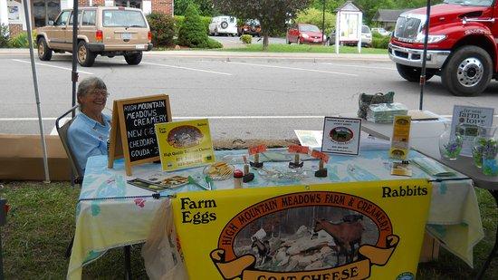 Hayesville Evening Farmers Market: Artisan cheese