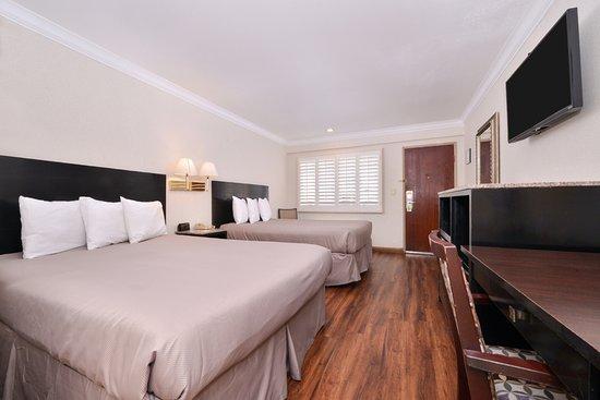 El Monte, CA: Two Queen Beds Hardwood