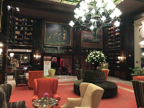 Hotel Geneve Ciudad de Mexico: Gorgeous lobby