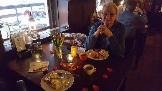 Pieterburen, Paesi Bassi: ontbijt op mijn verjaardag