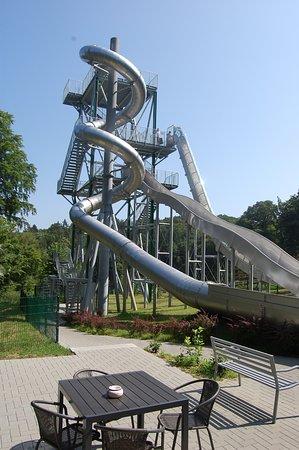 Bergen auf Ruegen, Allemagne: Särkt euch in unserem Mini- Imbiss, lehnt euch zurück und schaut euren Kindern zu.
