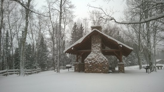 La Pointe, WI: Wintertime shelter