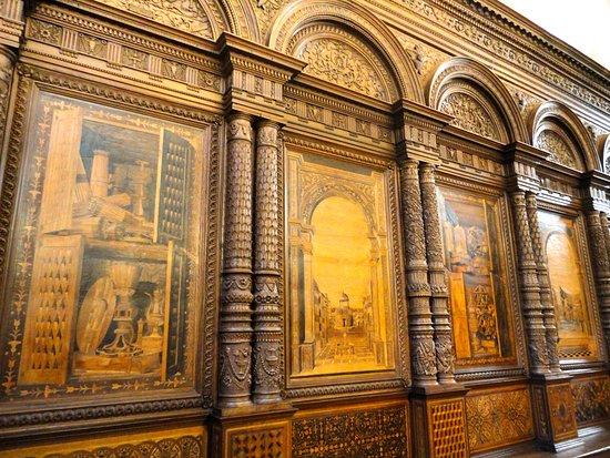 The Church of Sant'Eufemia: I PIU' BELLI TRA GLI STALLI LIGNEI DEL RINASCIMENTO