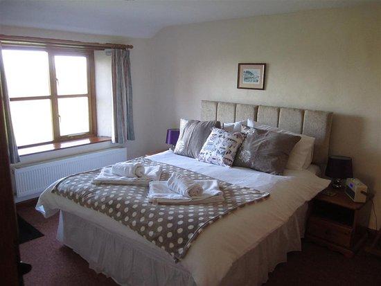Marhamchurch, UK: The master bedroom in Swallow Barn