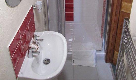 Marhamchurch, UK: The bathroom at Carthouse Barn